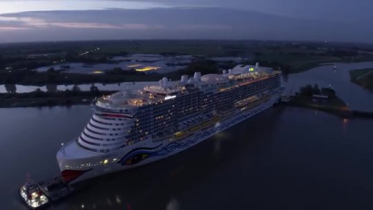 BIGGEST Cruise Ship in the World  Monster